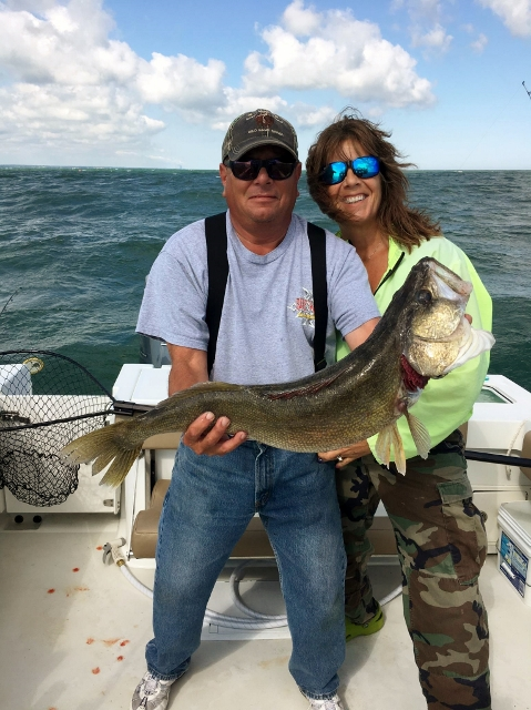 Lake erie walleye charter fishing boat port clinton for Port clinton fishing charters